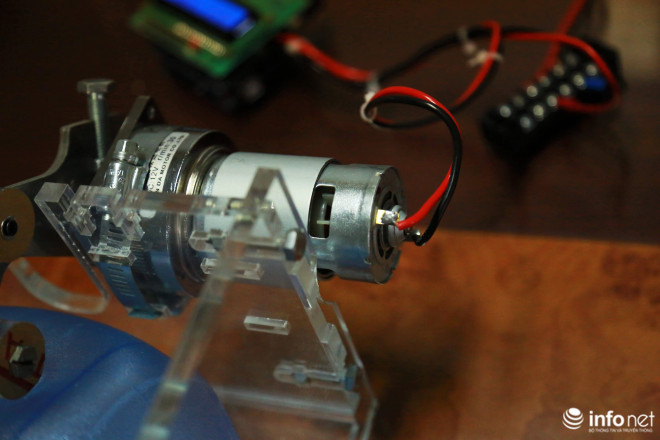 Cận cảnh máy trợ thở đầu tiên do chính tay người Việt Nam thiết kế và sản xuất - 13