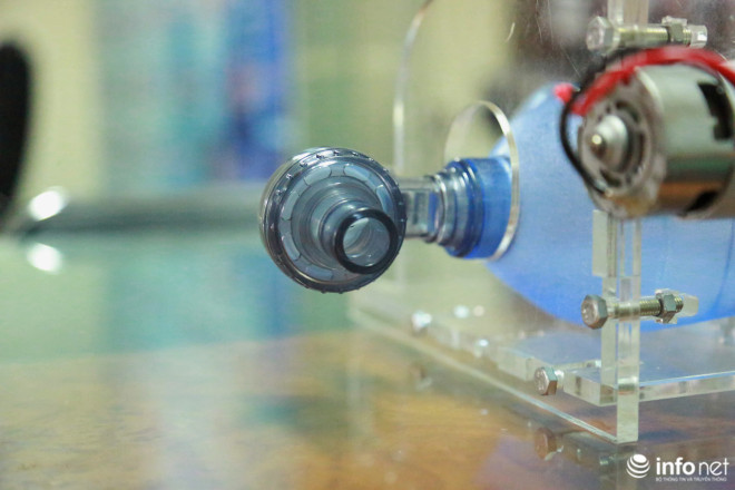 Cận cảnh máy trợ thở đầu tiên do chính tay người Việt Nam thiết kế và sản xuất - 16