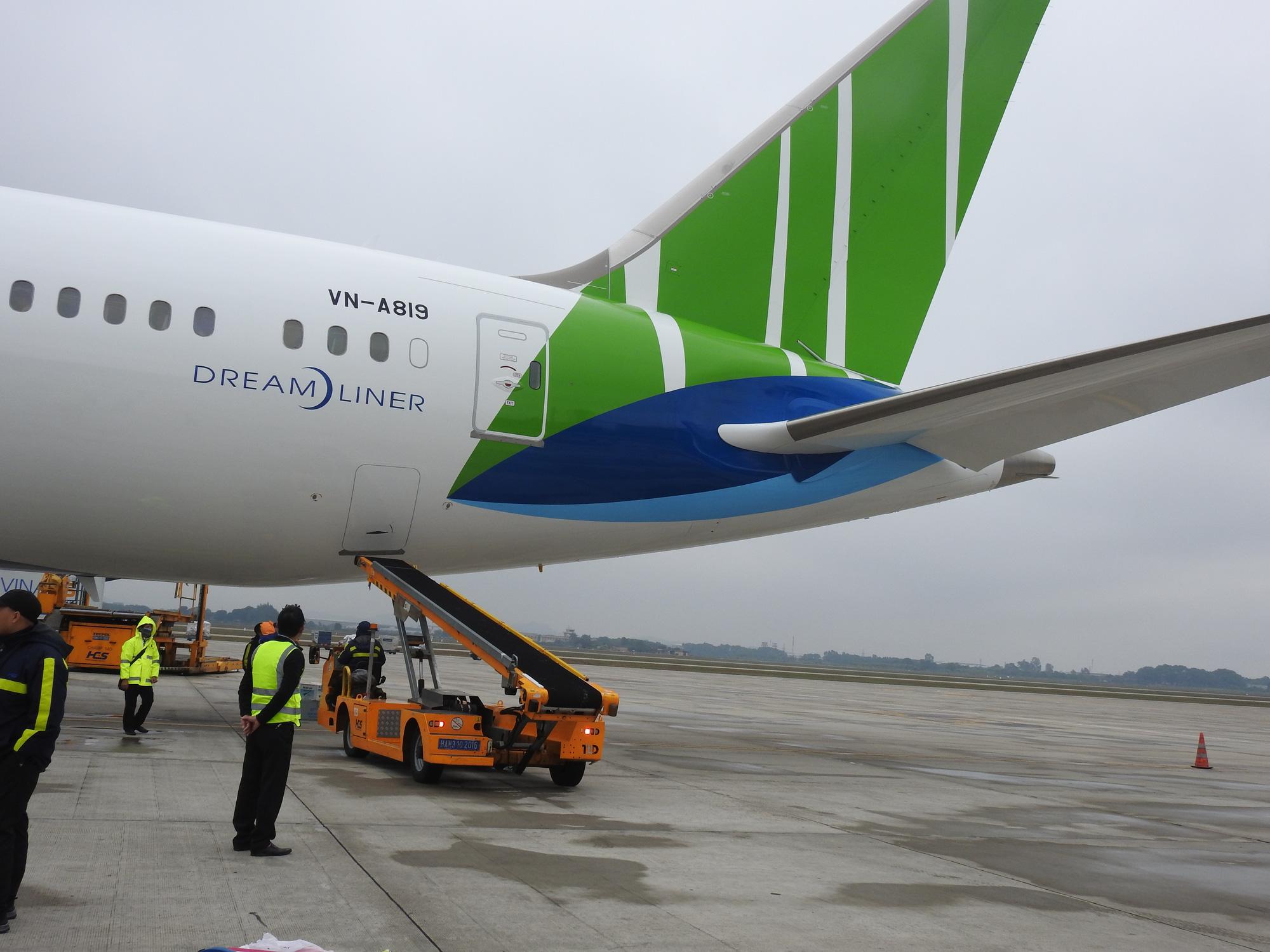 """Thực hư chuyện Bamboo Airways """"bán mình"""" cho Trung Quốc?"""