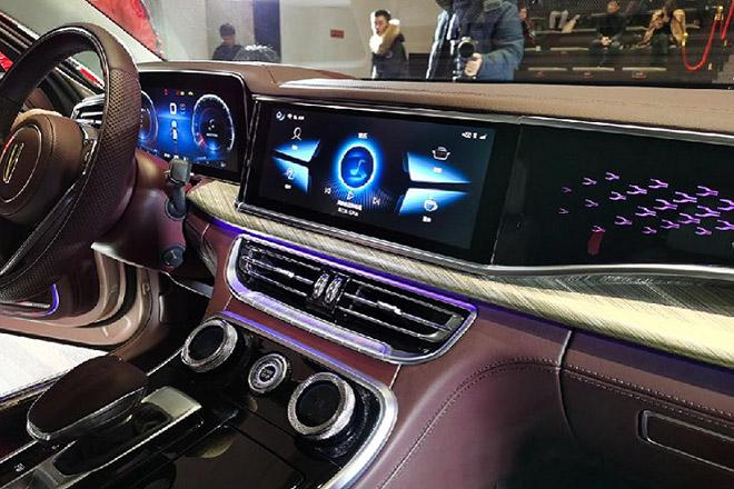 Xe hồng kỳ h9 của trung quốc ra mắt cạnh trạnh với rolls royce