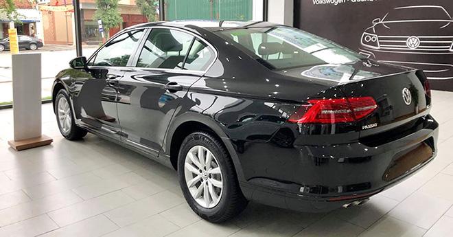 Cạnh tranh Toyota Camry mẫu xe Volkswagen Passat giảm giá gần 200 triệu đồng - 5