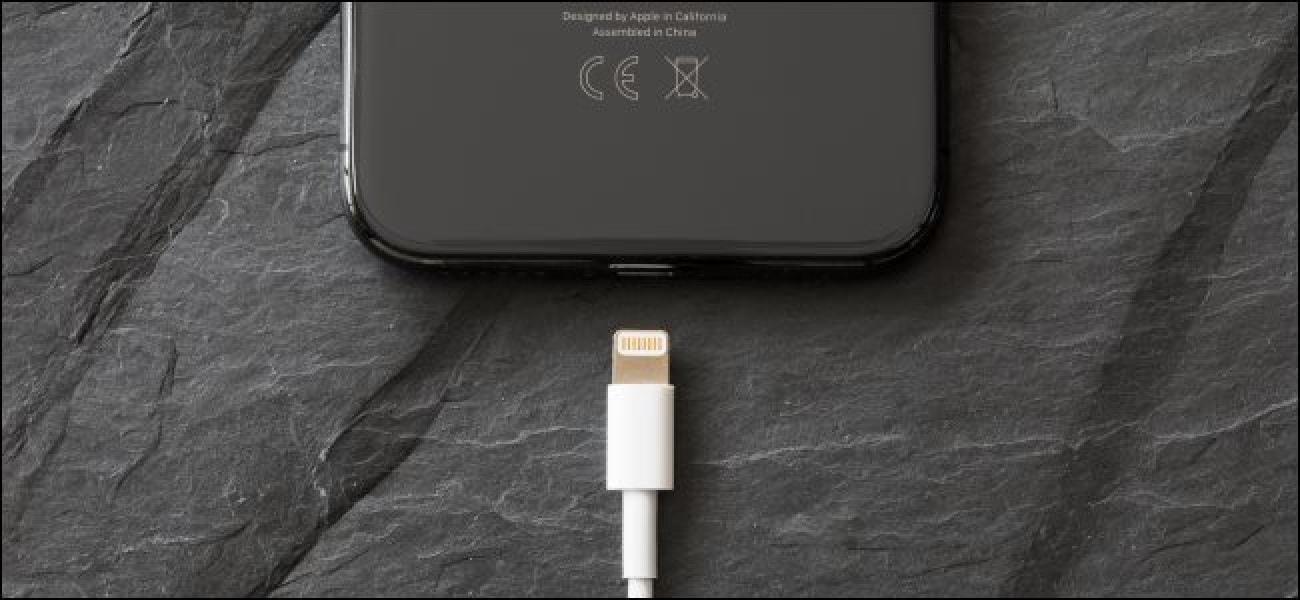 iPhone SE 2020 vs iPhone 11: Liệu có đáng mua khi mạnh ngang bằng và giá rẻ bằng nửa? - 3