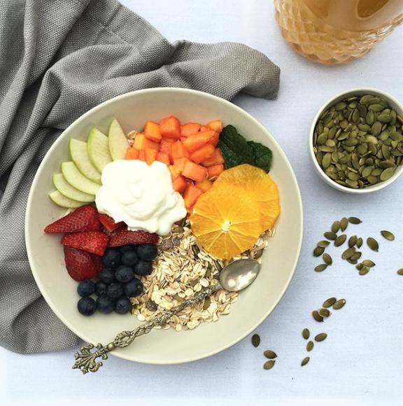 11 siêu thực phẩm giúp bạn chống già, dưỡng da sáng từ bên trong - 6