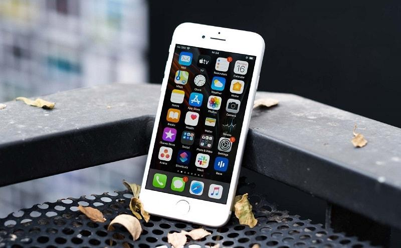 """Bên ngoài """"cổ lỗ"""" nhưng trong """"hiện đại bất ngờ"""", bạn có nên bán iPhone 6 để sắm mẫu iPhone này? - 1"""