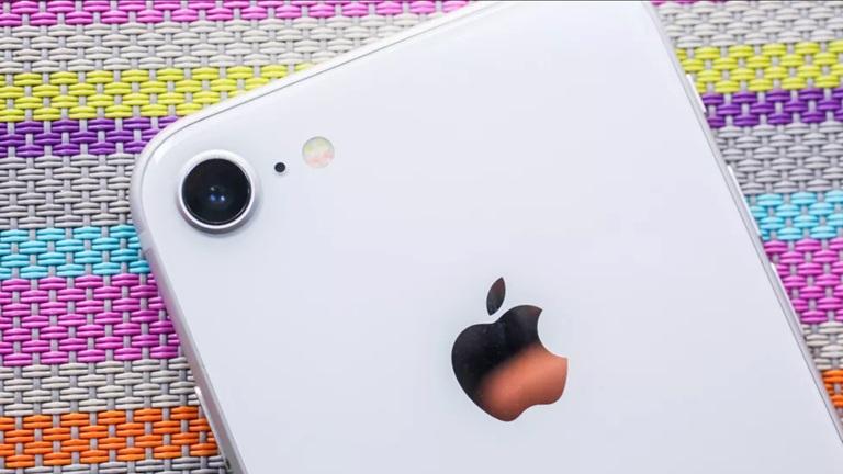 """Bên ngoài """"cổ lỗ"""" nhưng trong """"hiện đại bất ngờ"""", bạn có nên bán iPhone 6 để sắm mẫu iPhone này? - 3"""