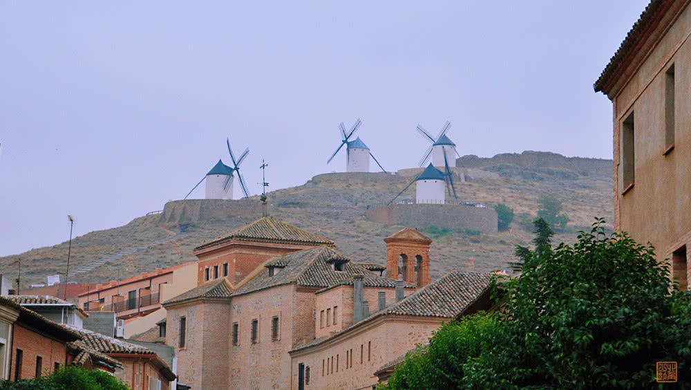 Ngỡ ngàng ngôi làng cối xay gió có thực trong truyện Đôn Kihôtê ở Tây Ban Nha - 3