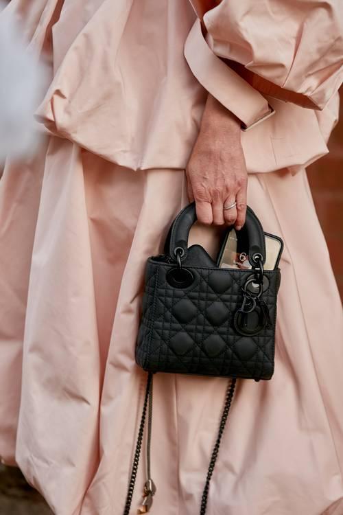 11 chiếc túi đẹp, xứng đáng đầu tư khiến dân sành thời trang mê mẩn - 10
