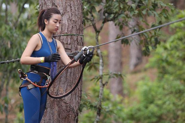 Hoa hậu Phú Yên mắc phải lỗi thời trang tai hại mà Mỹ Linh từng gặp trên sóng VTV - 3