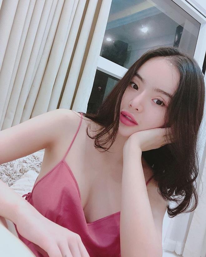 Em gái Angela Phương Trinh nổi loạn sexy ở tuổi dậy thì, giờ lột xác ngỡ ngàng thế này - 6