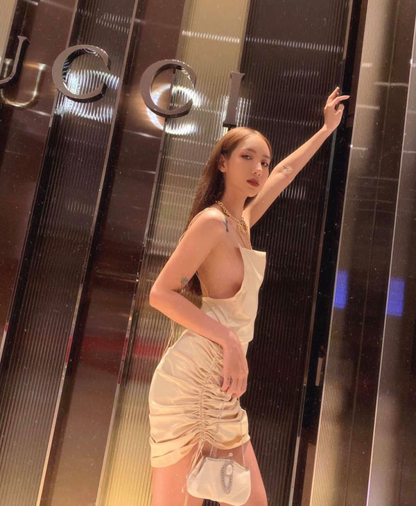 Hot girl quyến rũ nổi tiếng Instagram Việt nghiện mặc không nội y - 4