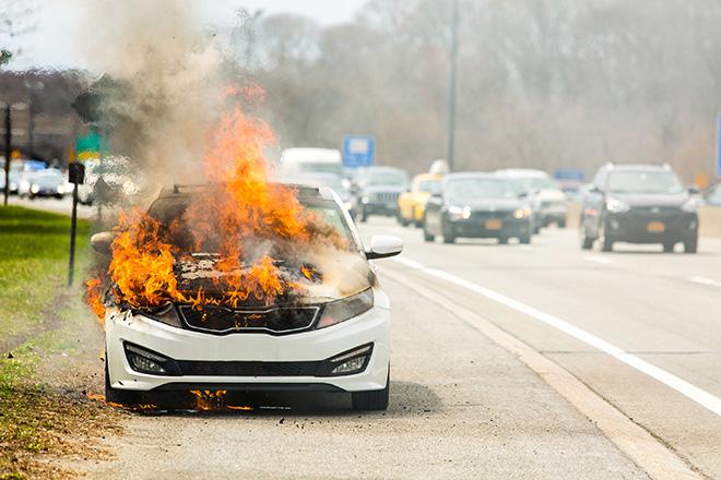 9 nguyên nhân dẫn đến cháy nổ xe ô tô và cách xử lý kịp thời - 1