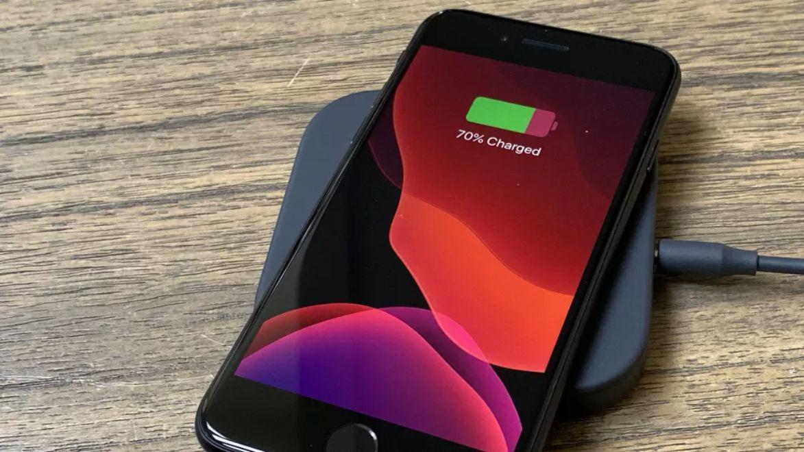 Quên iPhone SE đi, đây mới là chiếc iPhone đáng quan tâm hơn - 4