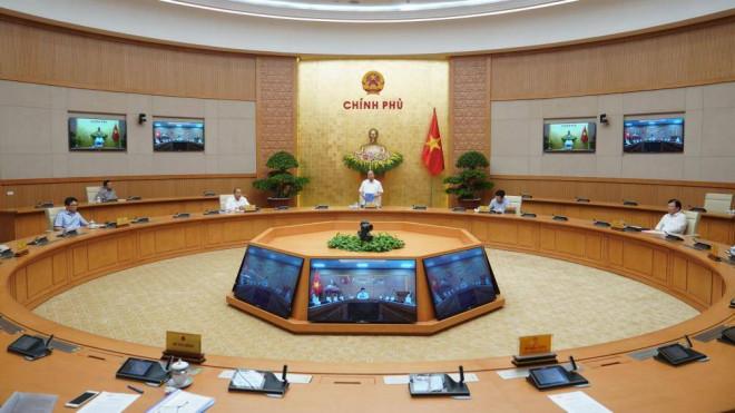 Thủ tướng cho mở lại các dịch vụ không thiết yếu, trừ vũ trường và karaoke - 1