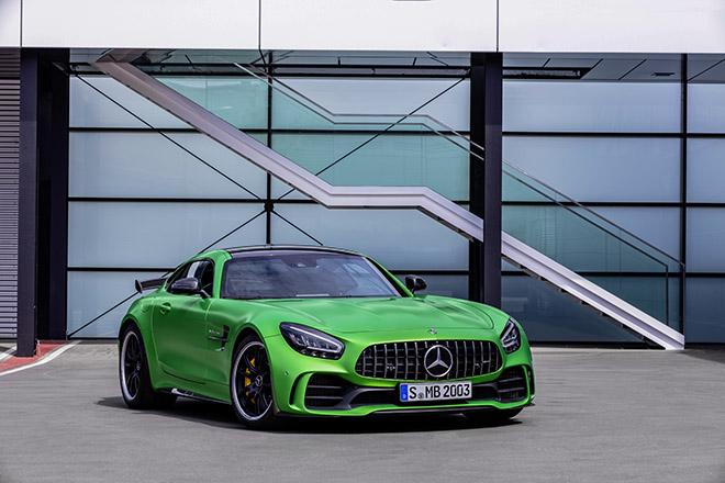 Mercedes- benz AMG GT R