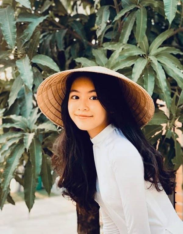 Ở tuổi dậy thì, con gái Quyền Linh giống nàng thơ đẹp nhất của Châu Tinh Trì - 4