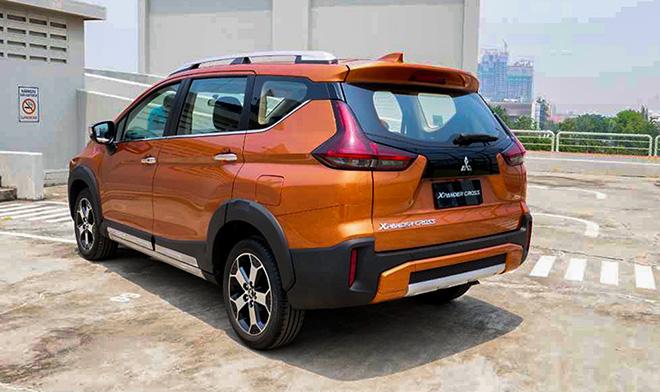 So sánh Suzuki XL7 và Mitsubishi Xpander Cross, ngang tài nhưng chênh giá - 9