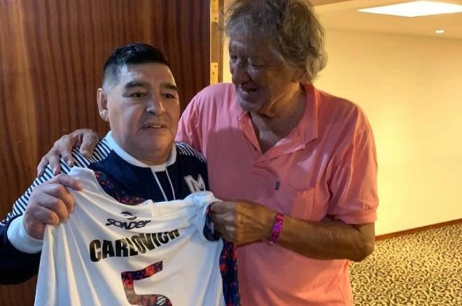 Huyền thoại Argentina bị sát hại dã man: Tài năng đến                                     Maradona cũng phục - 1