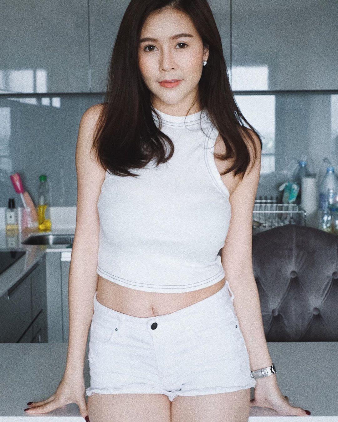 Mac quan yem khong phong ho hot girl Thai duoc khen dep khong buc mat 92321583 847259422408003 8643700343751162378 n 1588925161 354 width1080height1350