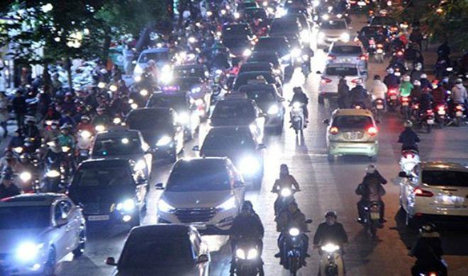 Các lỗi vi phạm liên quan đến sử dụng đèn xe của người tham gia giao thông - 2