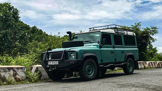 Hàng hiếm Land Rover Defender TD5 rao bán giá hơn 2 tỷ đồng - 1