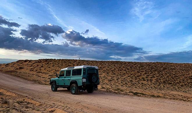Hàng hiếm Land Rover Defender TD5 rao bán giá hơn 2 tỷ đồng - 2