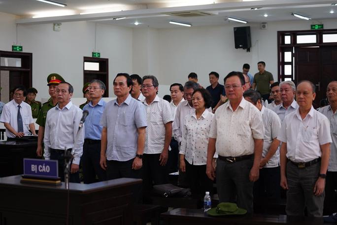 Hai nguyên chủ tịch Đà Nẵng bị tuyên tổng cộng 27 năm tù, bắt giam tại tòa - 1