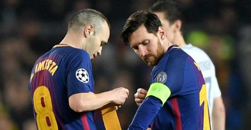 """""""Ông trùm"""" Messi tiết lộ sao nào ở Barcelona khiến mình """"phục sát đất"""""""