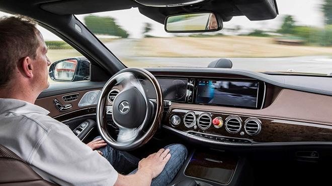 Ô tô ngày nay công nghệ và hệ thống điện tử chiếm 40% trên xe - 1