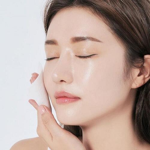 Hè đến dễ mụn đầy mặt, tham khảo ngay phương pháp 30 phút để da sạch thoáng - 1