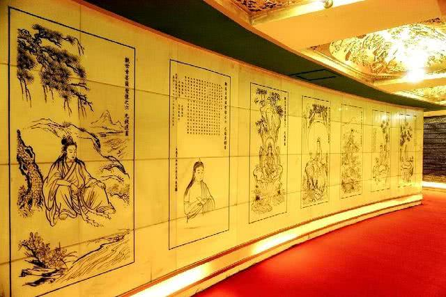 Ngôi chùa sang chảnh nhất TQ, dát 324 ký vàng, du khách nằm lăn ra đất để lấy may mắn - 5