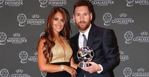 """Messi khoe """"clip nóng"""" bên vợ đẹp, chờ phá 2 siêu kỷ lục cực khó"""