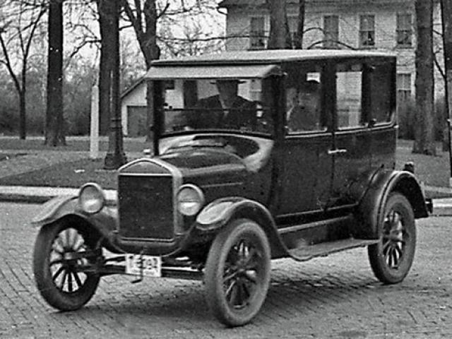 Top 10 mẫu xe bán chạy nhất mọi thời đại