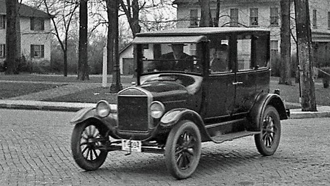Top 10 mẫu xe bán chạy nhất mọi thời đại - 2