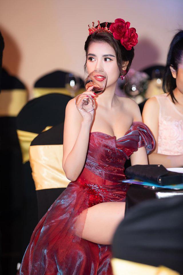 Hoa hậu Nha Trang có phẫu thuật thẩm mỹ thay đổi cấu trúc cơ thể? - 4
