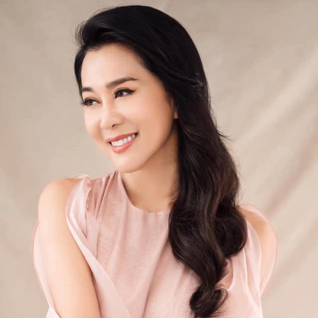 """MC Nguyễn Cao Kỳ Duyên trẻ đẹp, hấp dẫn ngoài """"yêu"""" đều đặn còn nhờ bí quyết này - 1"""