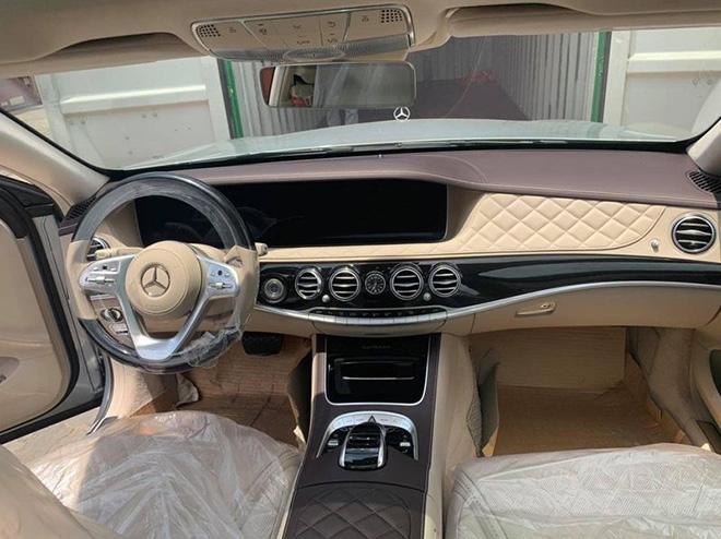 """Vén màn Mercedes-Maybach S 560 """"Duo-Tone"""" đầu tiên về Việt Nam - 5"""