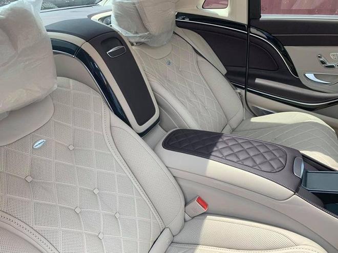 """Vén màn Mercedes-Maybach S 560 """"Duo-Tone"""" đầu tiên về Việt Nam - 8"""