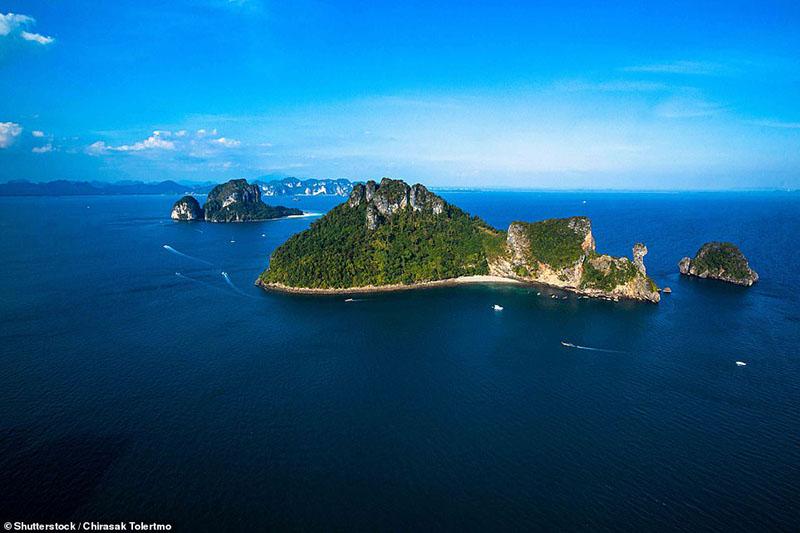 Hòn đảo nhiệt đới kỳ quái ở Thái Lan trông giống như một con gà - 3