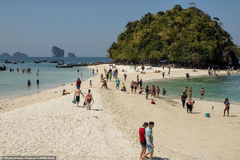 Hòn đảo nhiệt đới kỳ quái ở Thái Lan trông giống như một con gà - 4