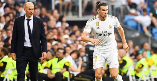 Zidane tuyên chiến Barca, Real sẽ vô địch La Liga nhờ yếu tố đặc biệt