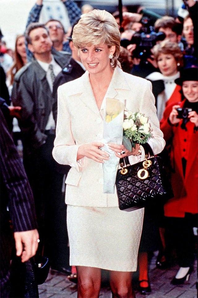 Chiếc túi nhỏ bé của Dior vì sao trở thành niềm khao khát của triệu phụ nữ - 3
