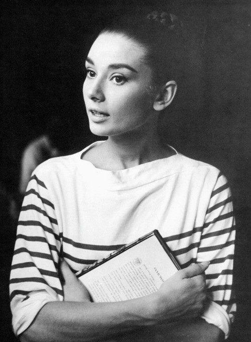 """Tips mặc đẹp bất biến từ """"tượng đài sắc đẹp"""" Audrey Hepburn - 5"""