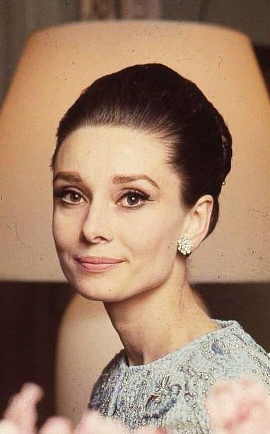 """Tips mặc đẹp bất biến từ """"tượng đài sắc đẹp"""" Audrey Hepburn - 4"""