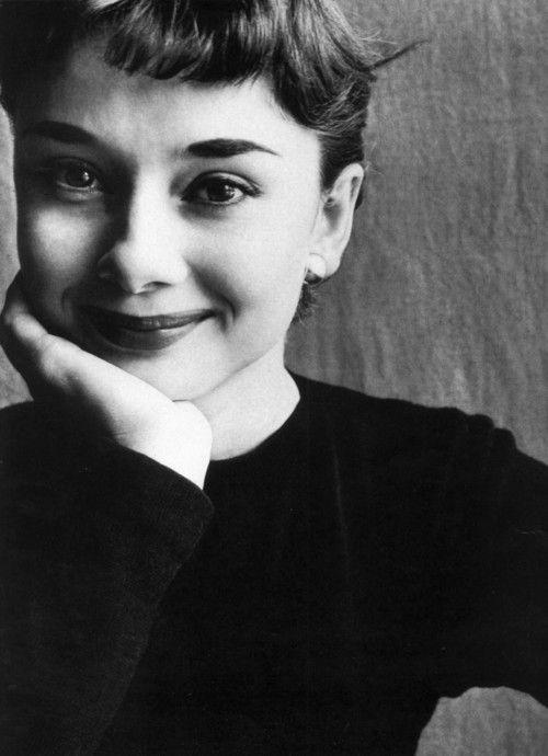 """Tips mặc đẹp bất biến từ """"tượng đài sắc đẹp"""" Audrey Hepburn - 7"""
