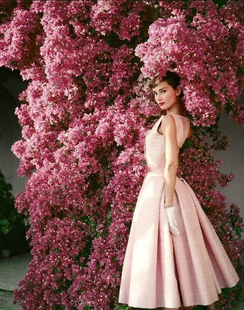 """Tips mặc đẹp bất biến từ """"tượng đài sắc đẹp"""" Audrey Hepburn - 11"""
