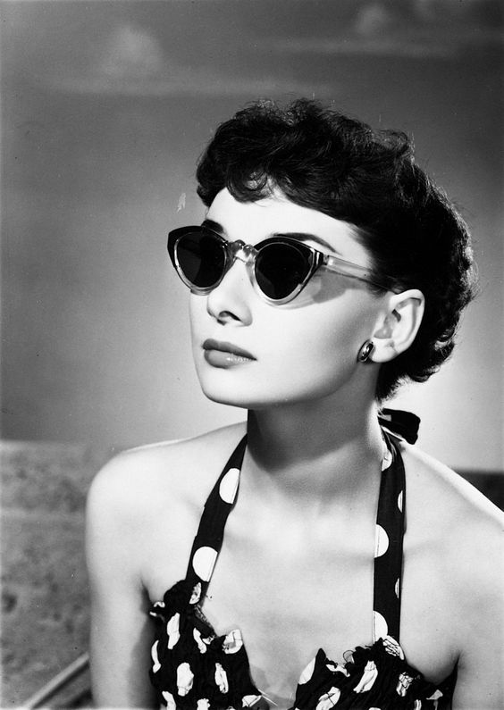 """Tips mặc đẹp bất biến từ """"tượng đài sắc đẹp"""" Audrey Hepburn - 12"""