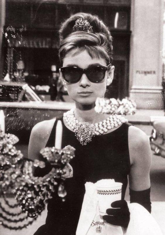 """Tips mặc đẹp bất biến từ """"tượng đài sắc đẹp"""" Audrey Hepburn - 13"""