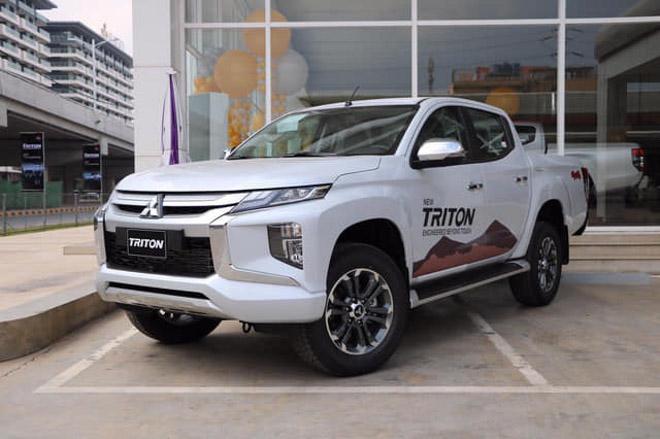 Mitsubishi Triton giảm giá gần 140 triệu đồng xả hàng dọn kho - 1