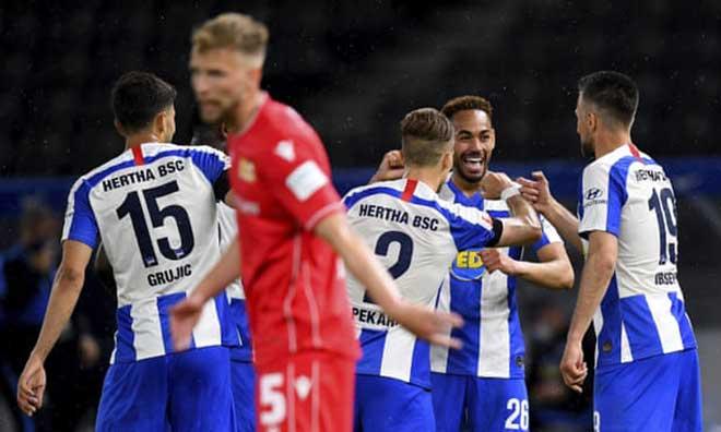 Video highlight trận Hertha Berlin - Union Berlin: 3 bàn trong 10 phút định đoạt derby - 1