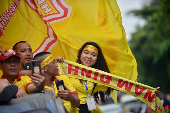 Trực tiếp bóng đá Nam Định - HAGL: CĐV Nam Định hâm nóng bầu không khí - 12
